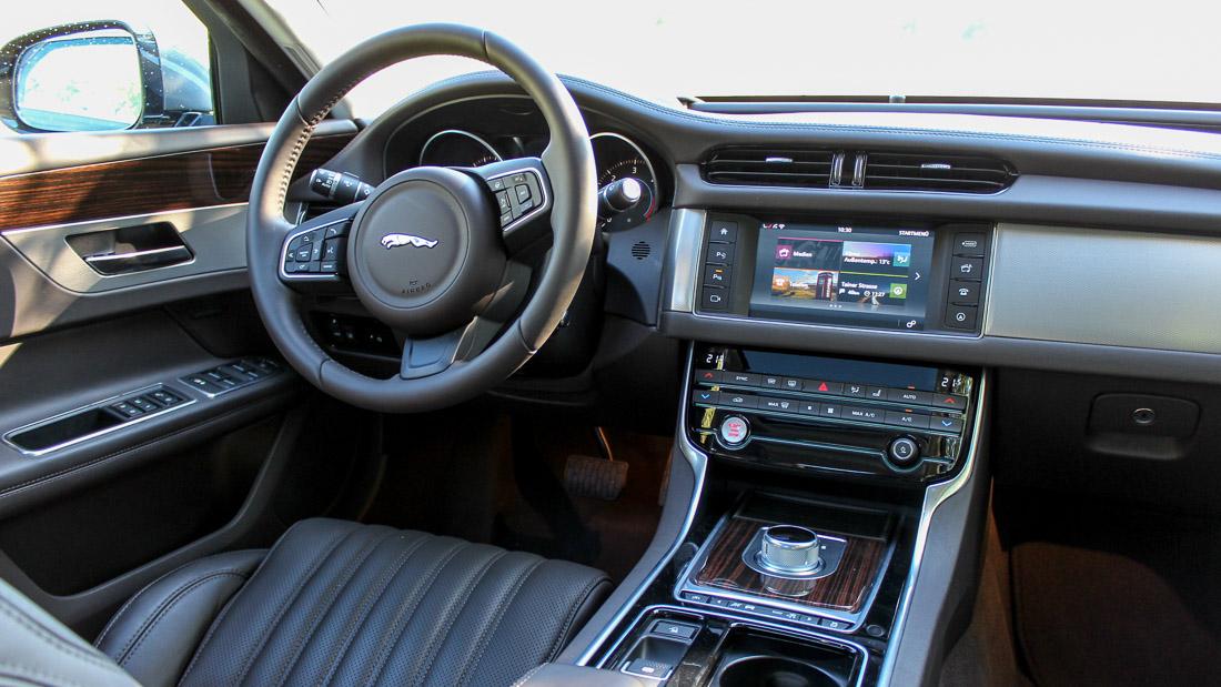 fahrbericht neuer jaguar xf 30d portfolio motoreport. Black Bedroom Furniture Sets. Home Design Ideas