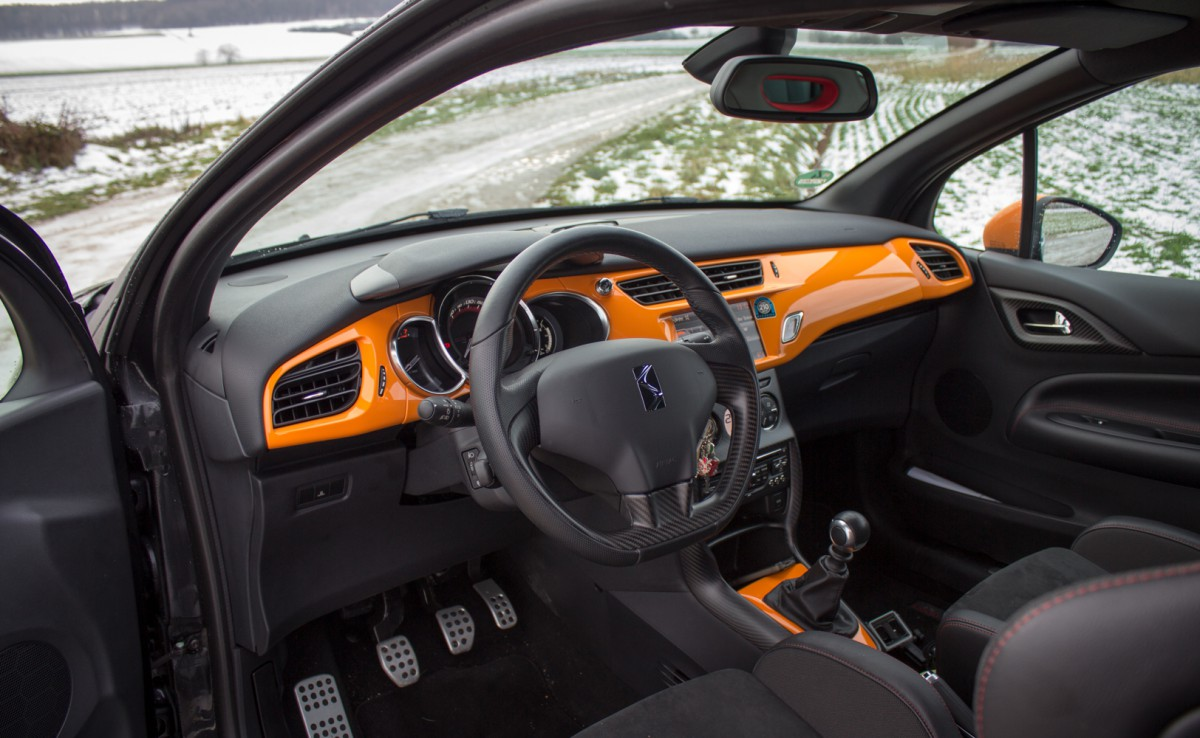 citroen ds3 racing interieur