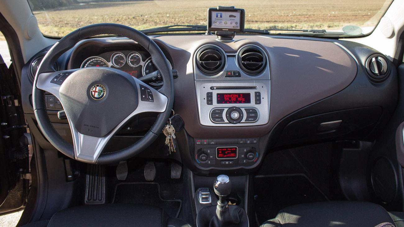Blue Amp Me Tomtom 2 Live Im Alfa Romeo Mito 187 Motoreport