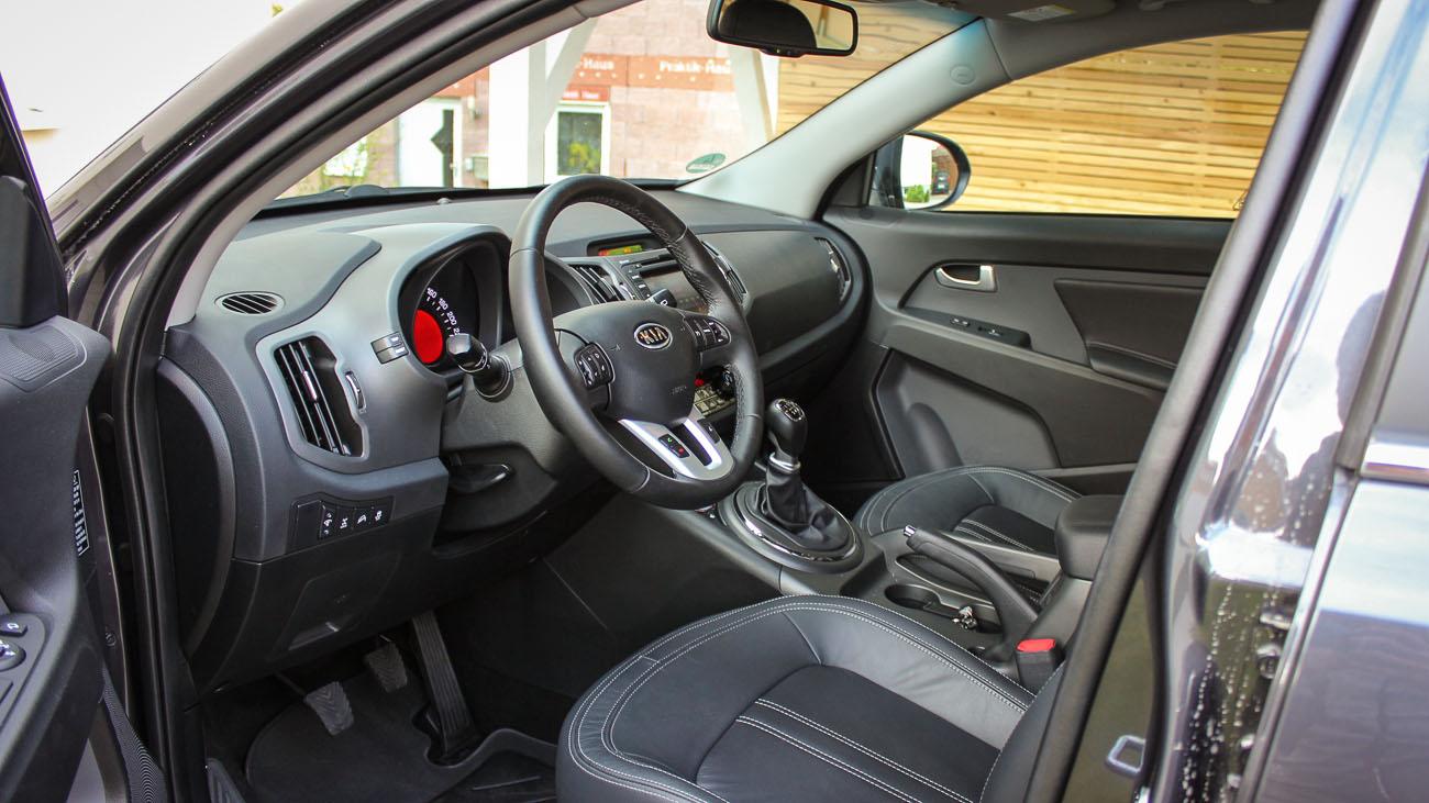kia sportage cockpit interieur
