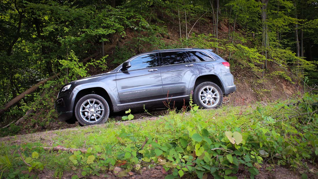jeep grand cherokee 2014 qudra lift motoreport. Black Bedroom Furniture Sets. Home Design Ideas
