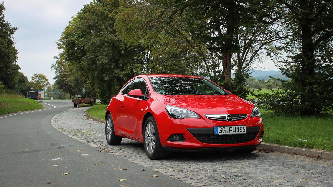 test opel astra gtc 1 4 turbo ecoflex motoreport. Black Bedroom Furniture Sets. Home Design Ideas