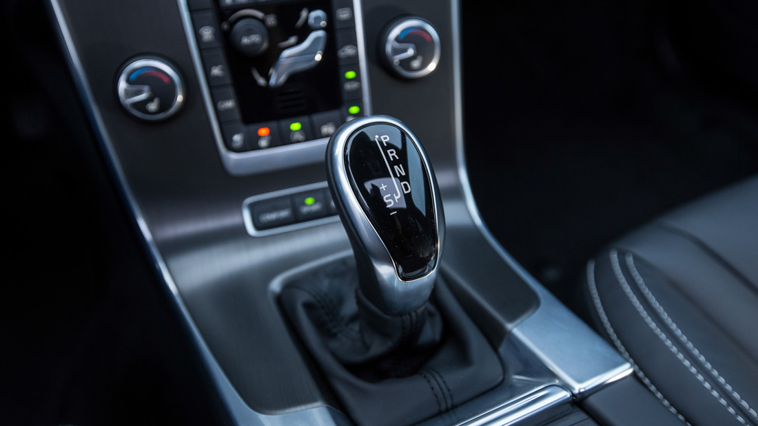 volvo interieur geartronic