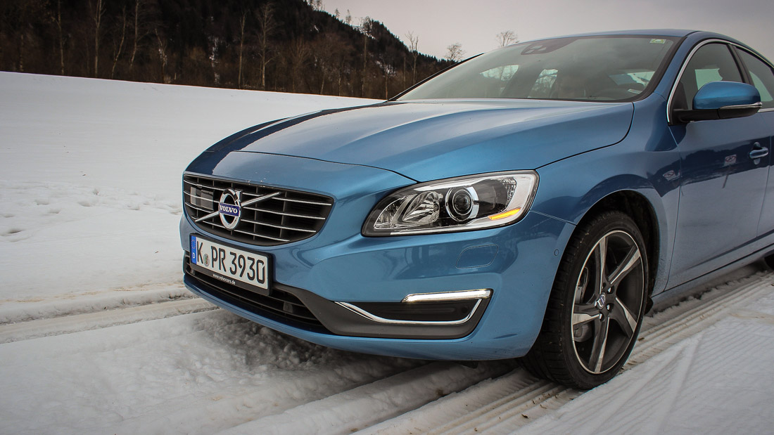volvo s60 front power blau 2014