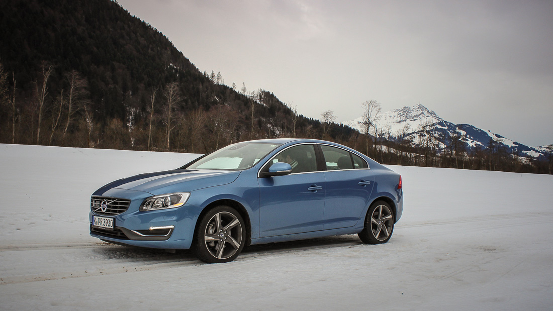 volvo s60 power blue