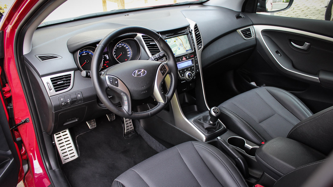 hyundai i30 coupe interieur design