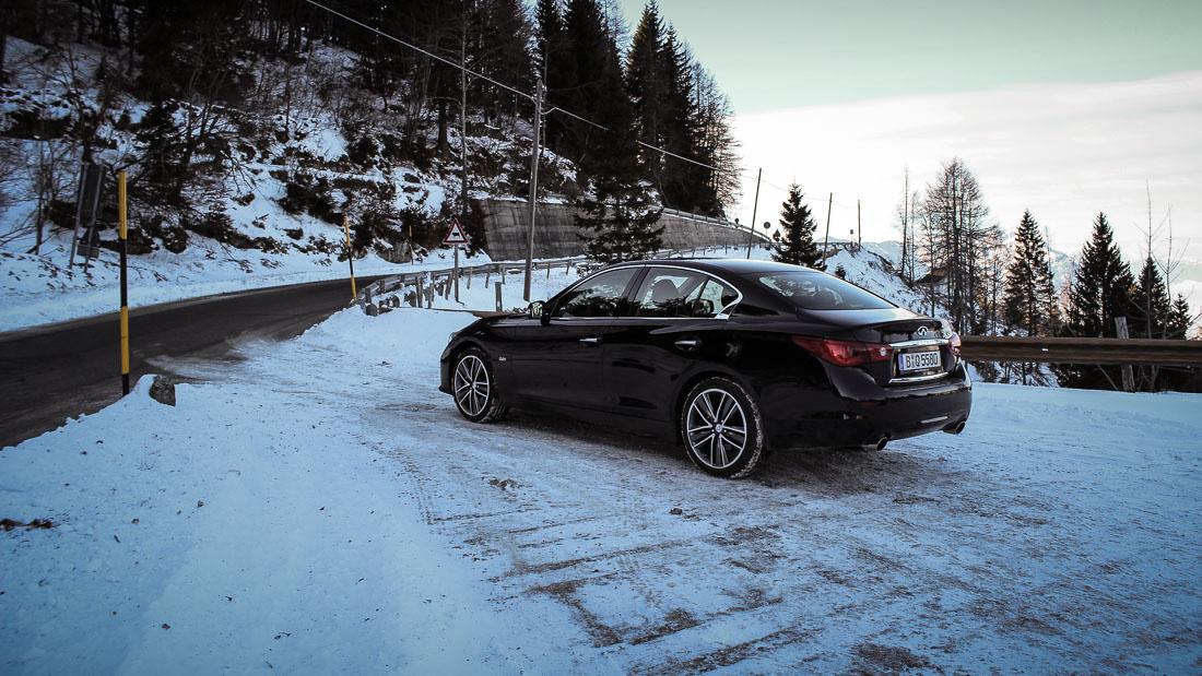 infinti q50 black snow
