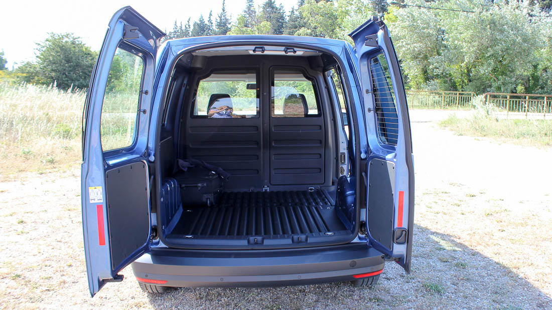 ein blick in den neuen vw caddy kastenwagen. Black Bedroom Furniture Sets. Home Design Ideas