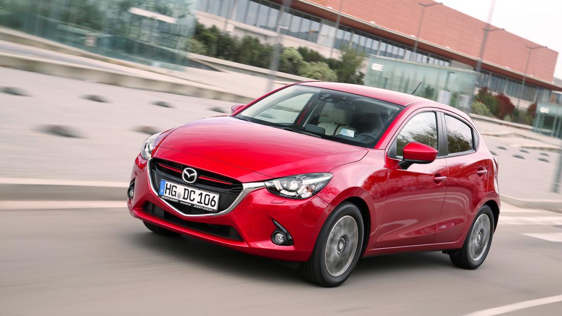 Mazda2_2015_action_12__jpg300