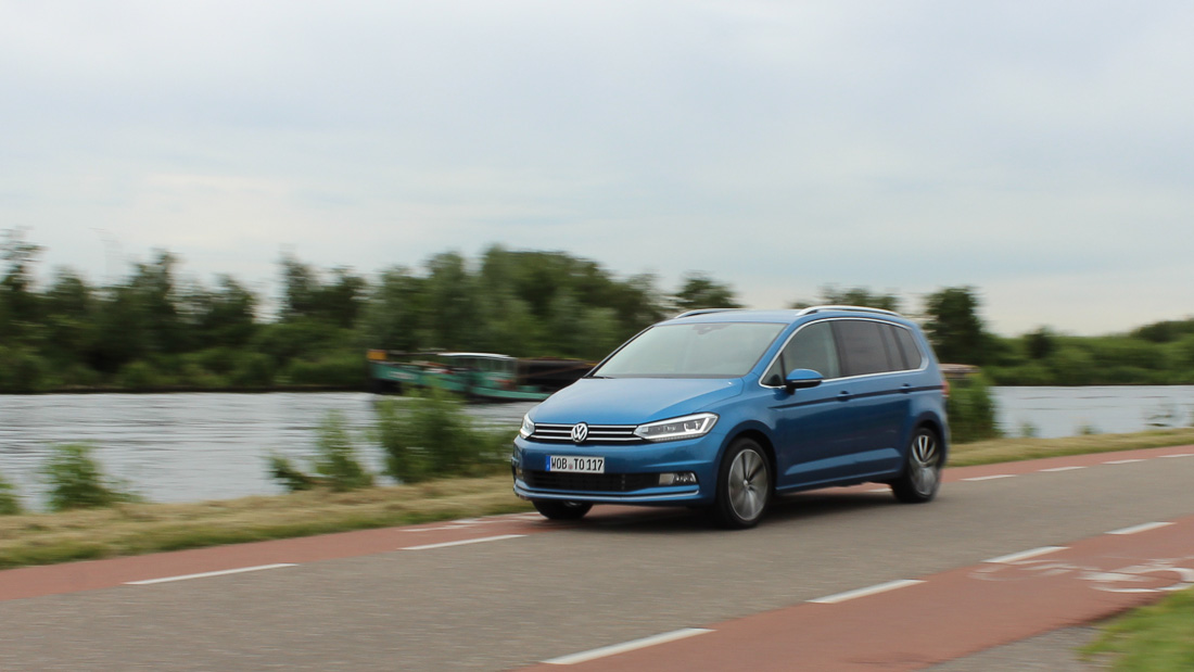 VW Touran Caribbean Blue