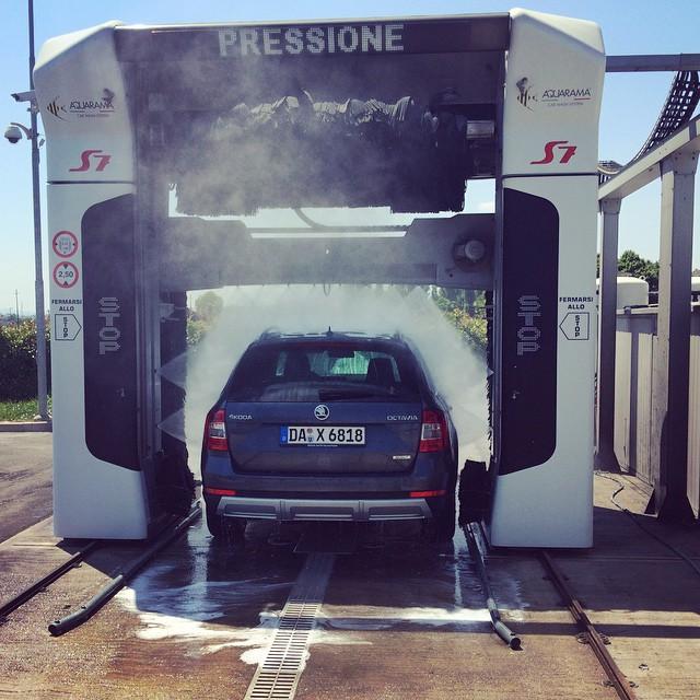 Auto_waschen_in_Italien_F_r_weniger_Geld_viel_gr_ndlicher.