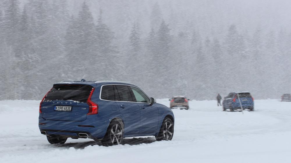 volvo xc90 r-design snow schnee