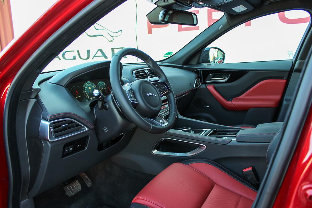 fahrbericht jaguar f pace 30d awd im ersten test motoreport. Black Bedroom Furniture Sets. Home Design Ideas