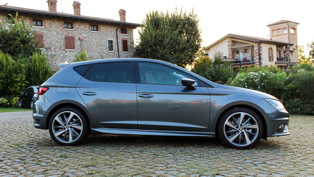 test seat leon fr 2 0 tdi dsg mit aerodynamik kit. Black Bedroom Furniture Sets. Home Design Ideas