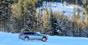 volvo v90 cross country schnee drift
