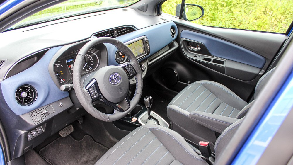 interieur yaris hybride citadine toyota yaris 3 hybride liste des essais essai vid o toyota. Black Bedroom Furniture Sets. Home Design Ideas