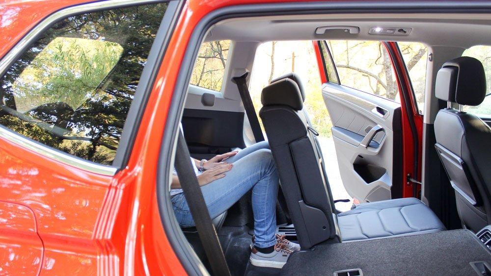 fahrbericht innenraum neuer tiguan allspace im test motoreport. Black Bedroom Furniture Sets. Home Design Ideas