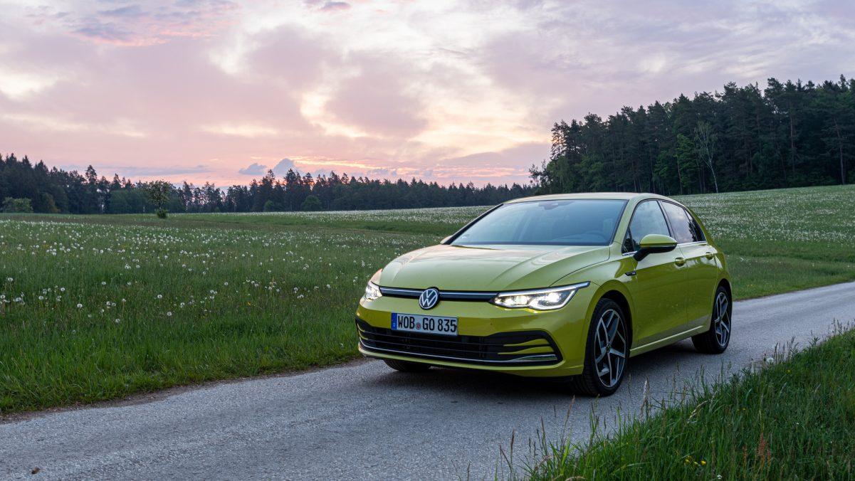 Golf 8 Front-/Seitenansicht Limonengelb
